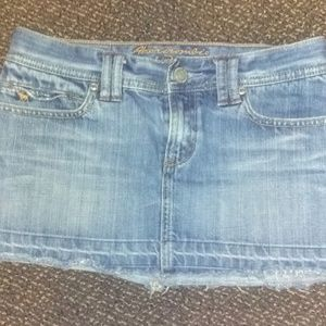 Women's Abercrombie & Fitch Demim Mini Skirt size3
